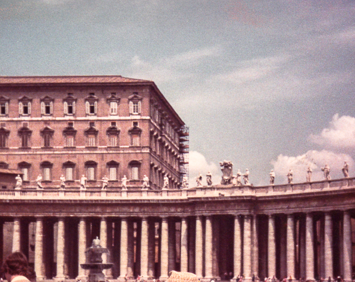 Italy_StPetersSquare4